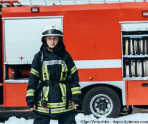 Feuerwehrfrau als Retterin in der Not.