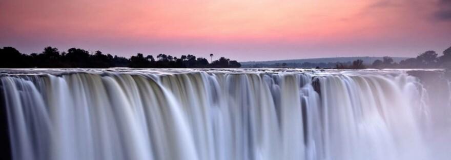 Kraftspendende Bilder: der Victoria Wasserfall